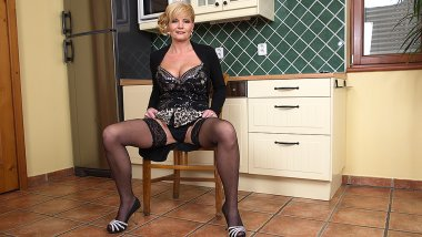 Naughty housewife getting herself wet and wild