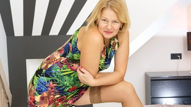 Milf Diana takes off her clothes and then some