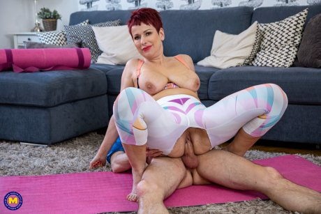 Thick mom getting fucked by her toyboy yoga instructor