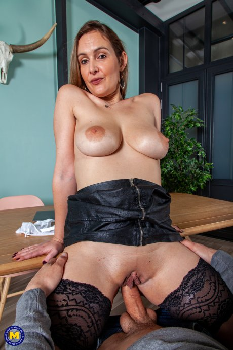 Big breasted Mom gets fucked while working