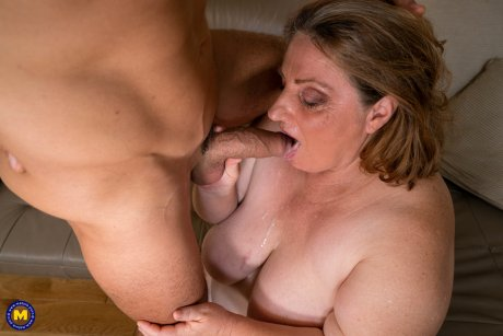 Huge breasted mature BBW is getting a younger cock to hanbdle
